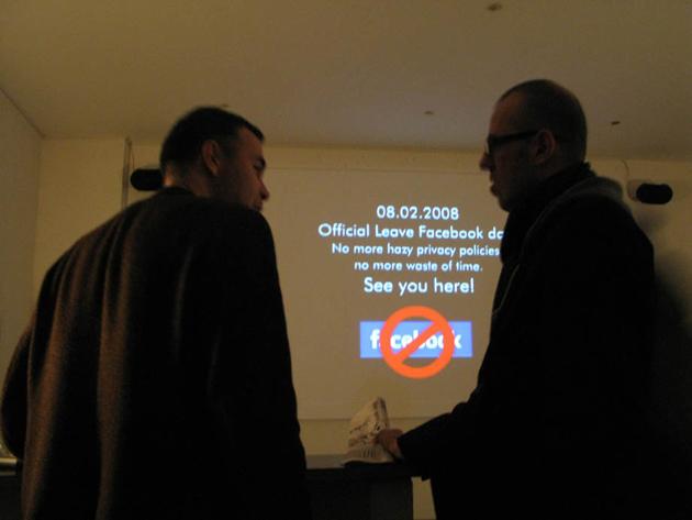 Leave Facebook event in Radio Aporee, 2008.Leave Facebook event in Radio Aporee, 2008.