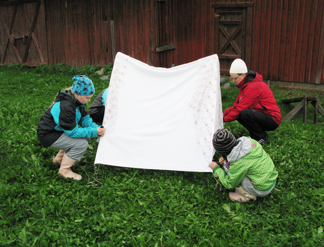 Albedo tent making by Jonna, Vilma, Viivi and Johanna.