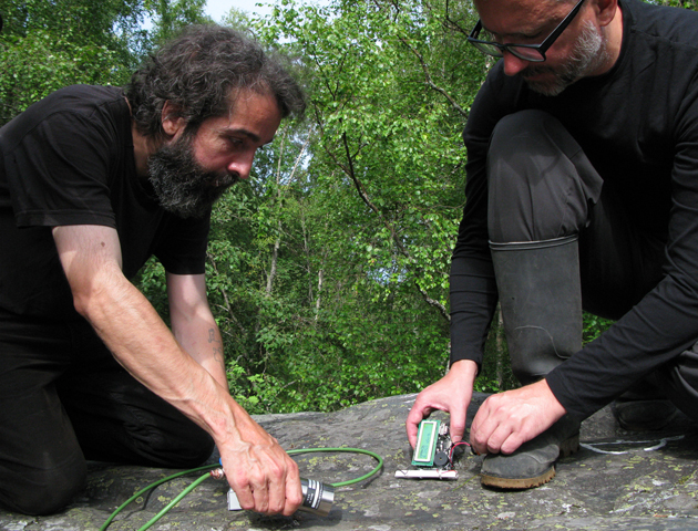 Martin and Erich detecting radiation of Hanhikivi rock.